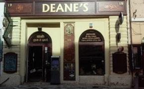 Deane's Irish Pub - 3