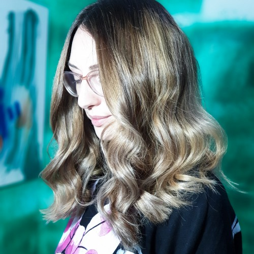 Contemporan hair Space