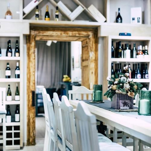 JUNO Breakfast & Wine